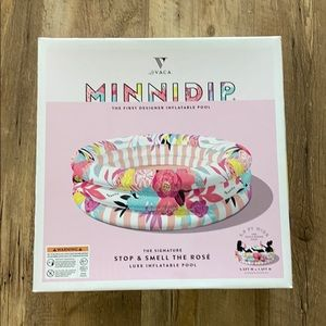 NIB Minnidip stop and smell the roses kiddie pool